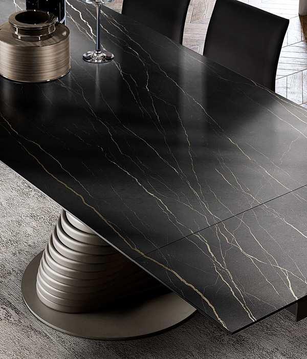 Tavolo e forma RO22C